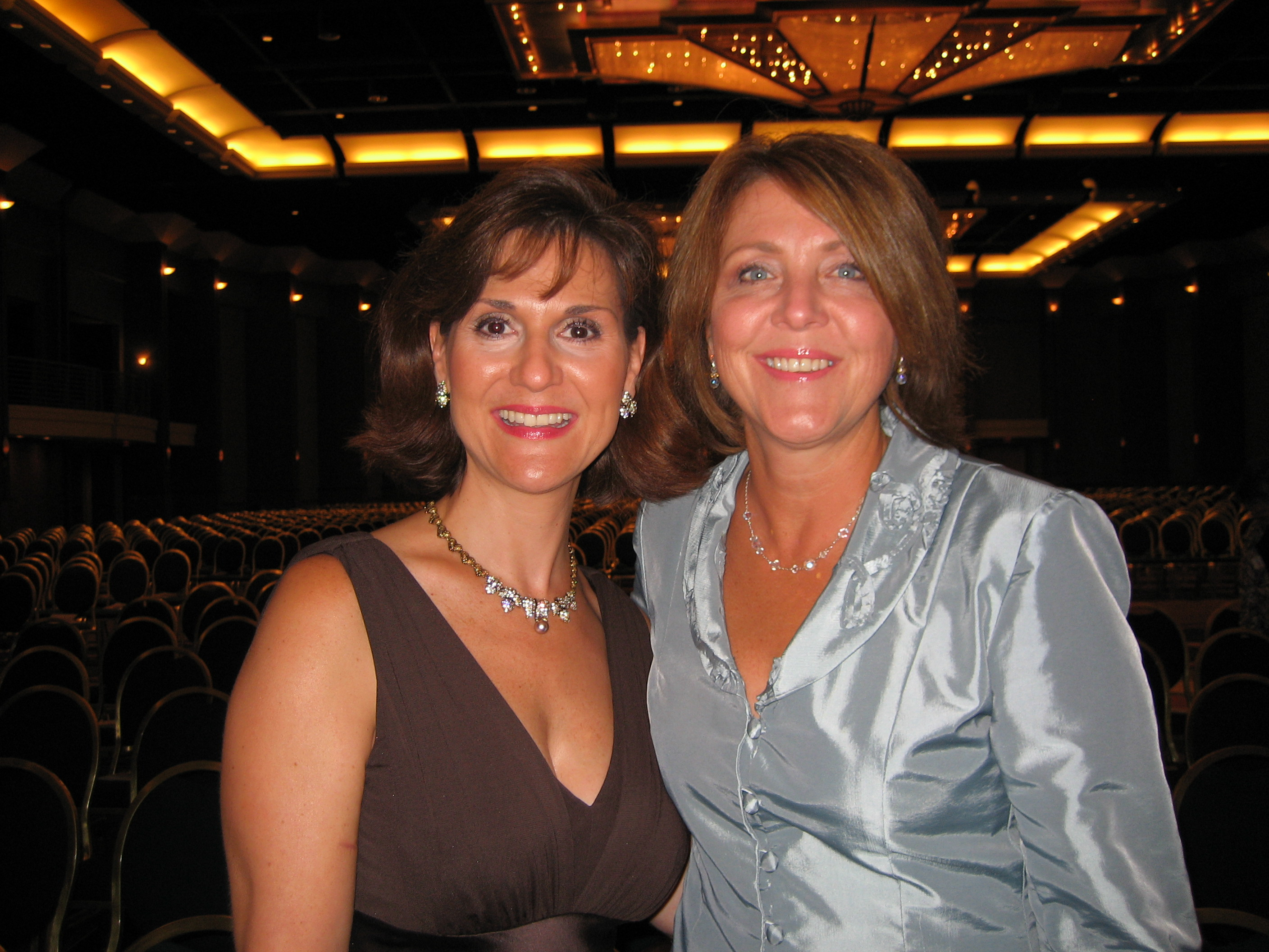 Susan and Karen White at RWA 2007
